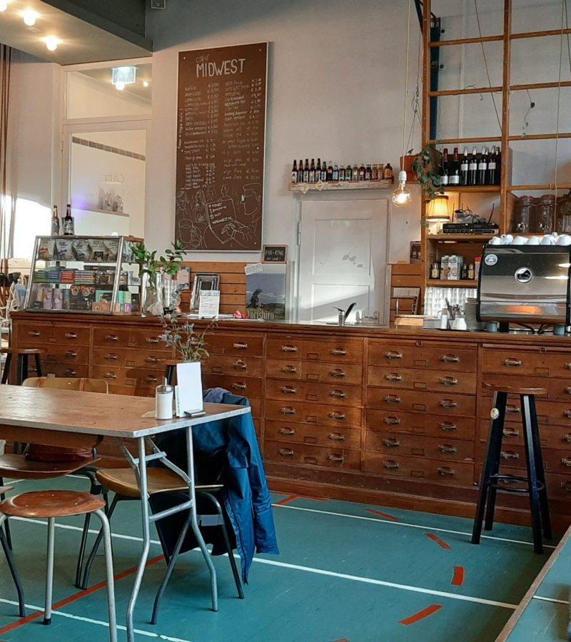 We bespreken elke maand tijdens de koffie ochtend een thema rondom de (financiële) organisatie van winkel en/of horecazaak.